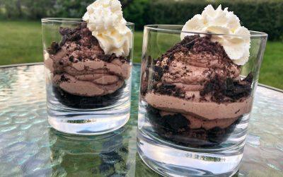 Chokladcheesecake med oreosmul i glas