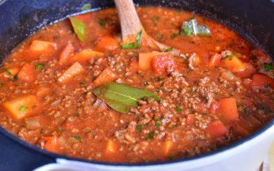 Köttfärsgulasch med sötpotatis