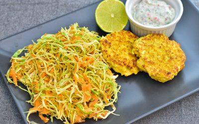 Fiskbiffar med kålsallad samt koriander- och chilidressing